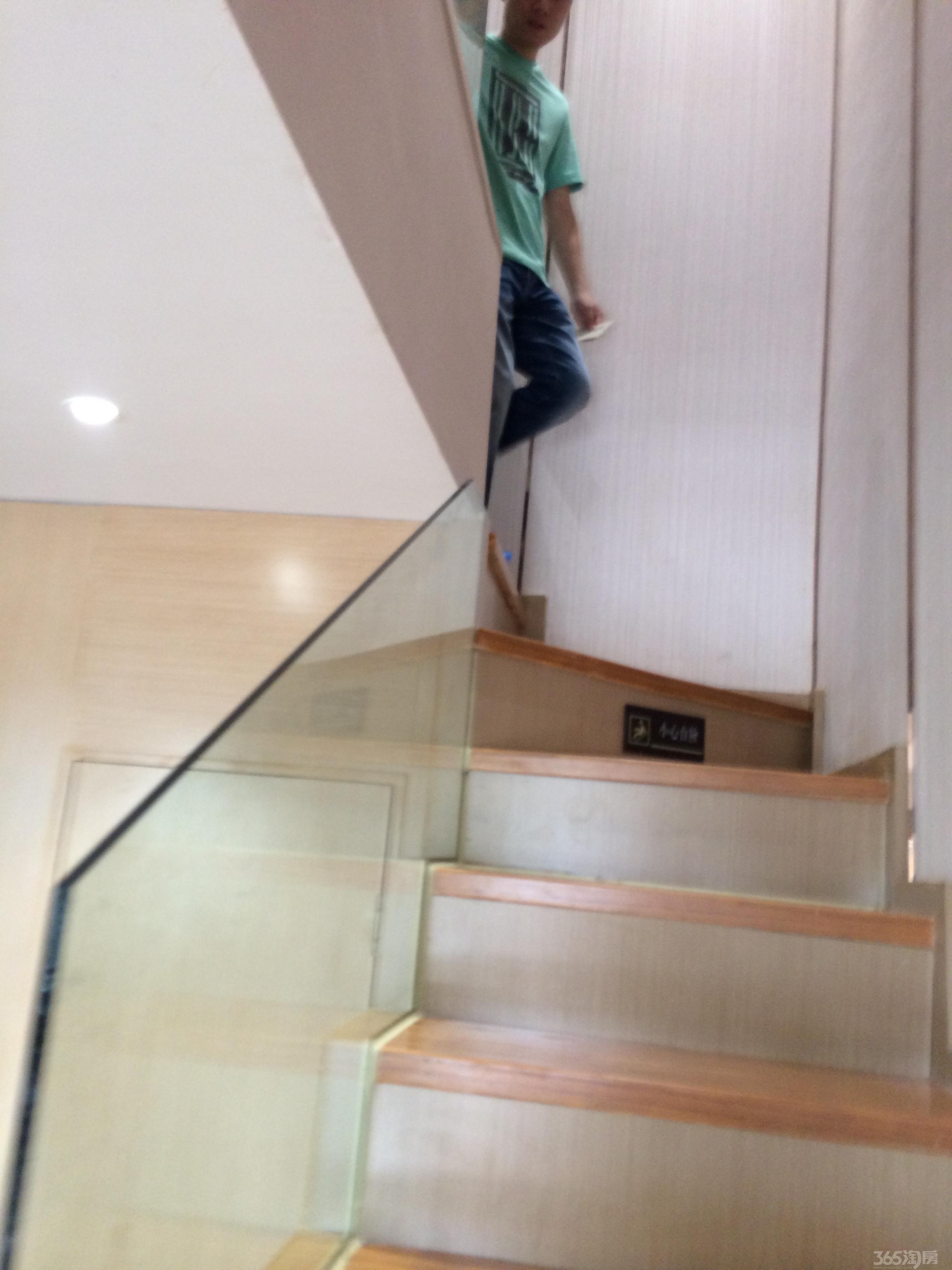 110平方米三房一厅一卫一厨一楼梯设计图