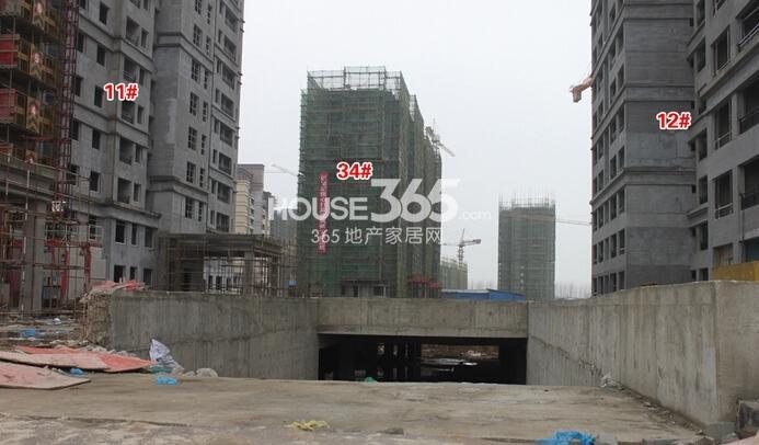 华强城美加印象工程进度1#楼后面地下停车场入口(2015年2月摄)