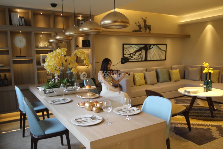 阳光郡项目130方样板房--餐客厅
